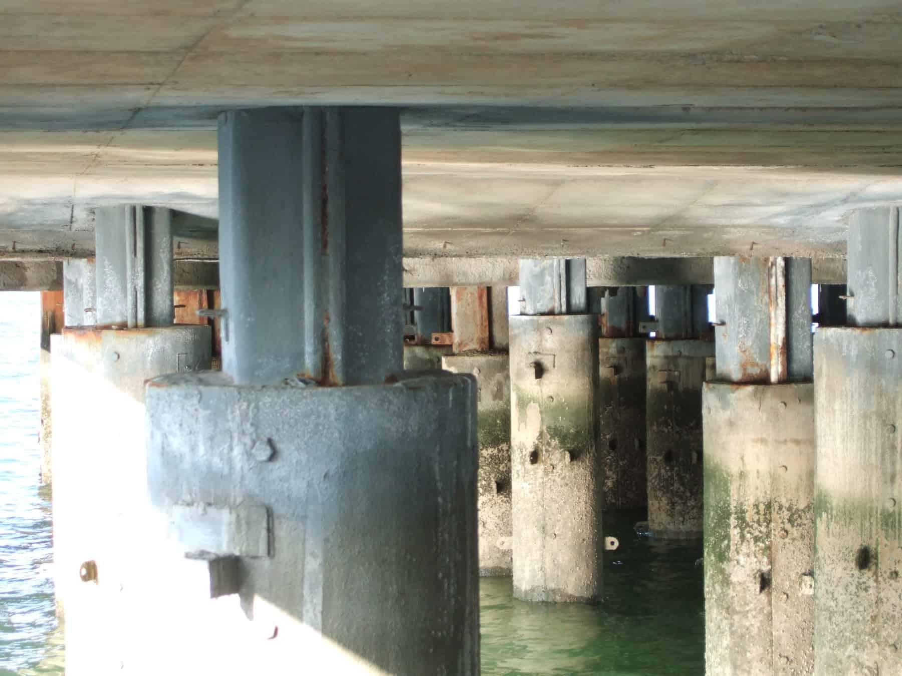 unpainted jetty steel piles