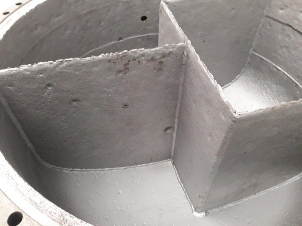 internal cooler edges painted in light grey